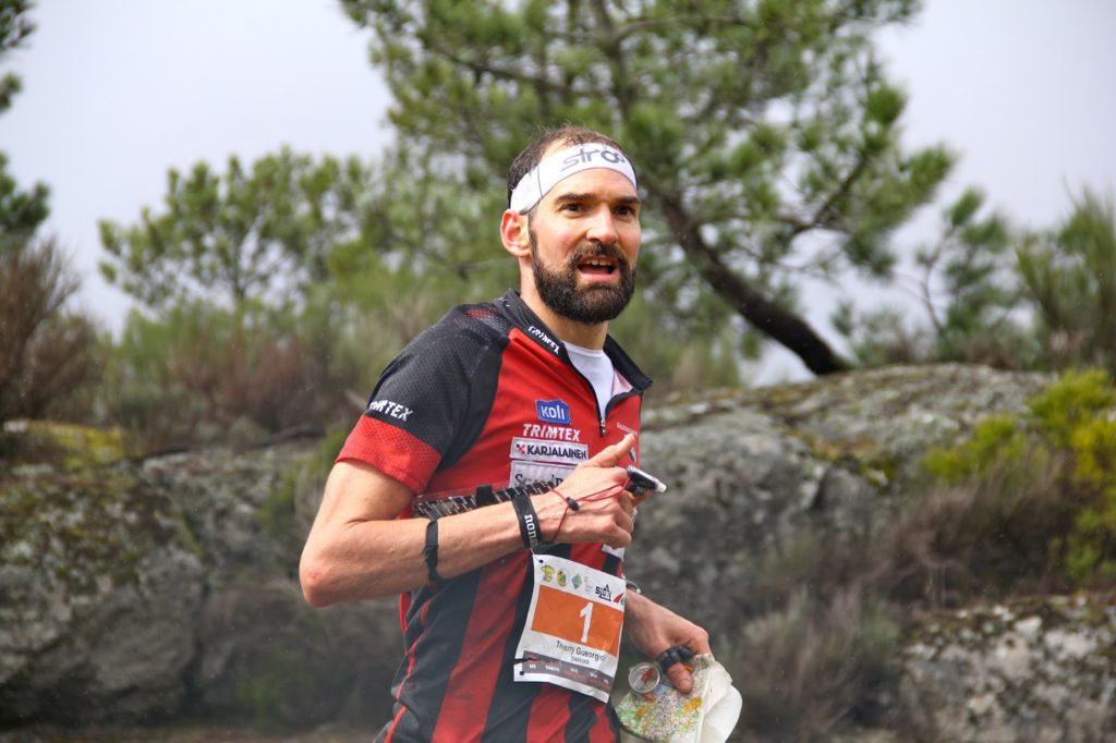 Thierry Gueorgiou, orienteering using a Str8 Compass